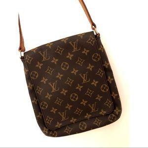 Louis Vuitton Musette Salsa MM short strap.